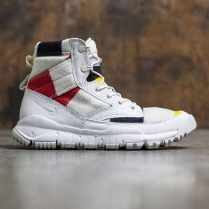 Nike Men Sfb Leather 6 Inches Nsw Np Qs (off white / black)