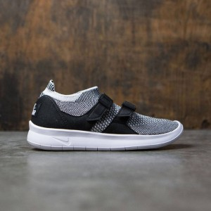 Nike Women Sock Racer Flyknit (black / white-white)