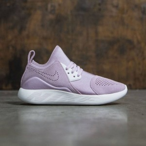Nike Women Wmns Nike Lunarcharge Premium (iced lilac / summit white-plum fog-volt)
