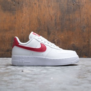 Nike Women Air Force 1 '07 (white / gym red-metallic gold)