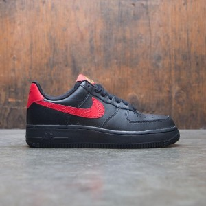 Nike Women W Air Force 1 07 F (black / university red)