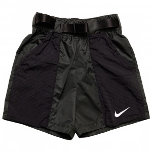 Nike Women Sportswear Swoosh Woven Shorts (black / white)