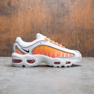 Nike Women W Air Max Tailwind Iv Nrg (white / black-university gold-habanero)