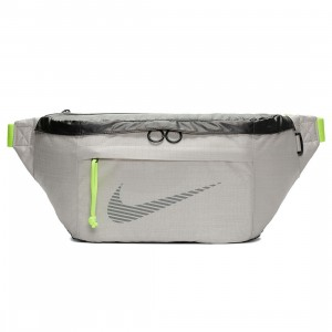 Nike Men Sportswear Winterized Hip Pack (desert sand / black / reflective)