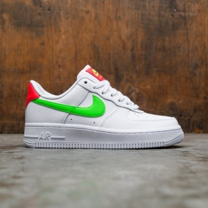 Nike Women Air Force 1 '07 (white / laser crimson-green strike)