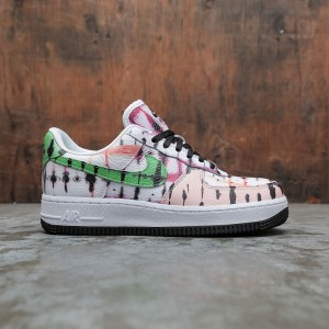 Nike Women Air Force 1 07 Qs (white / green strike-washed coral-black)