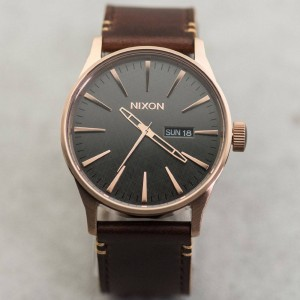 Nixon Sentry Leather Watch (rose gold / gunmetal / brown)