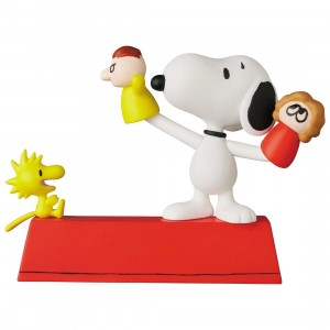 PREORDER - Medicom UDF Peanuts Series 11 Puppet Snoopy And Woodstock Figure (red)