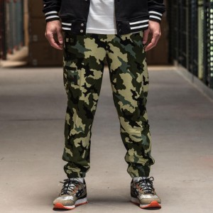 BAIT Basics Sweatpants (camo)