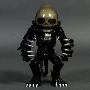 Alien VCD Vinyl Collectible Doll Figure (black)