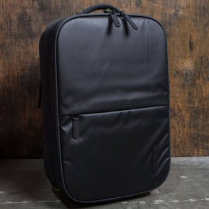 Incase EO Travel Roller Bag (black)