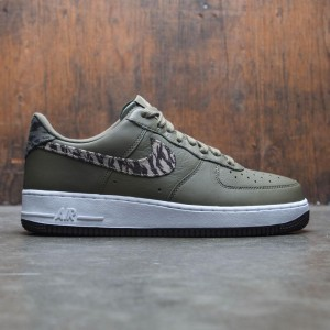 Nike Men Air Force 1 Aop Prm (medium olive / khaki-velvet brown-white)