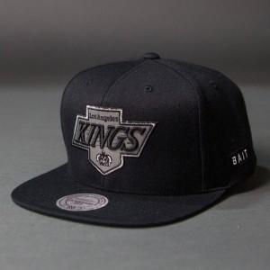 BAIT x NHL x Mitchell And Ness Los Angeles Kings Classic Chevron Snapback Cap (black / gray)