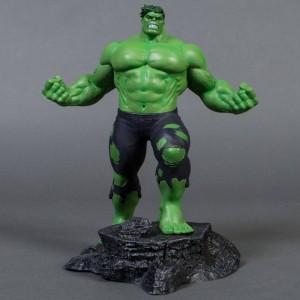 Diamond Select Toys Marvel Gallery Hulk PVC Figure (green)