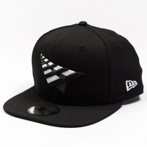 Paper Planes The Crown Snapback Classic Hat With No Pin (black / white)