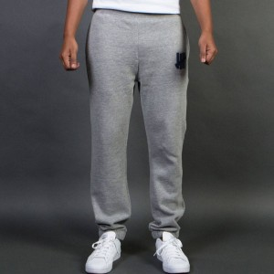 Undefeated Men 5 Strike Sweatpant (gray / heather)