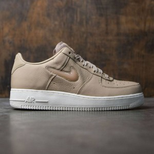 NikeLab Men Air Force 1 Premium Retro (tan / mushroom-sail)