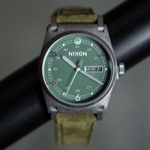 Nixon x Star Wars Rogue One Jane Leather Watch (brown)