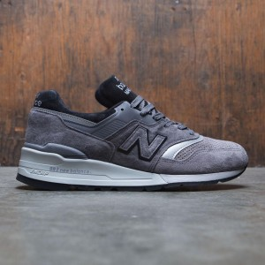 New Balance Men 997 Winter Peaks M997BRK - Made In USA (gray / black)