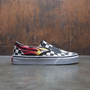 Vans x Disney Women Classic Slip-On - Mickey Flames (black / checker flames)